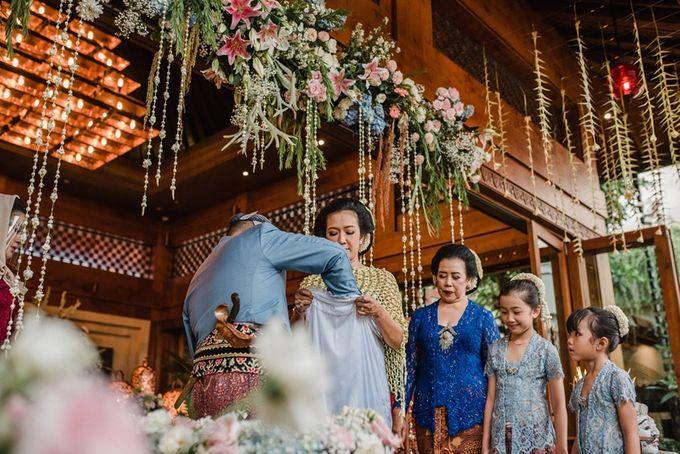JAVANESE TRADITIONAL TINGKEBAN by Bali Izatta Wedding Planner & Wedding Florist Decorator - 009