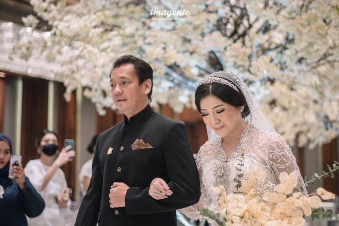 Eva & Fikriel Wedding by Petty Kaligis - 020