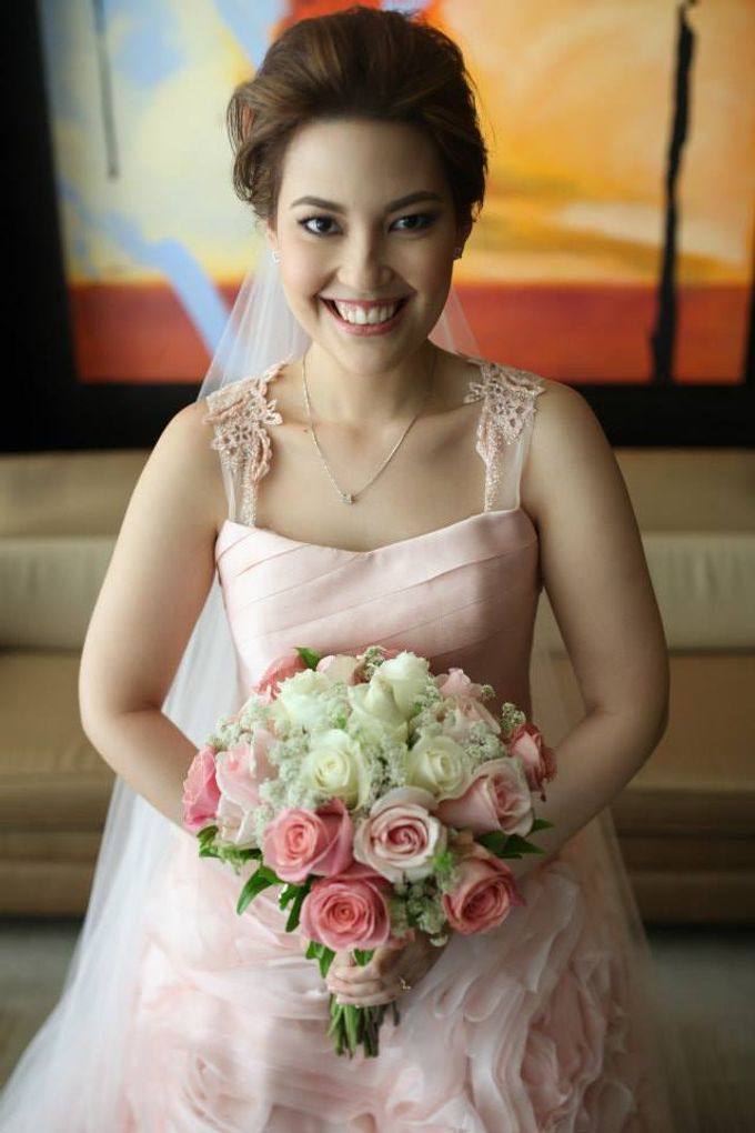 Bridal Bouquets by Natural Art Flowers and Decors - 003