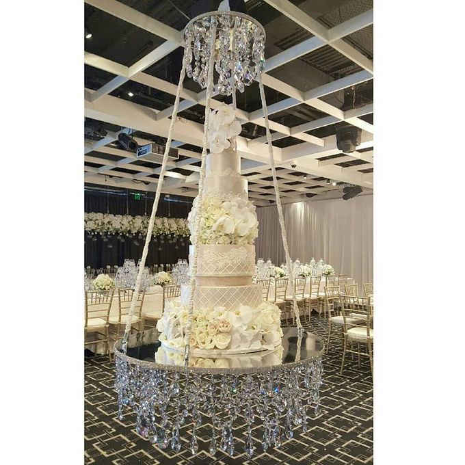 Wedding by Chandeliers To Die For - 004