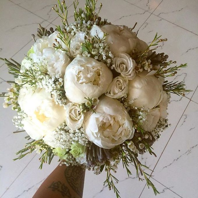 Bouquets  by Weddings by TV - 015