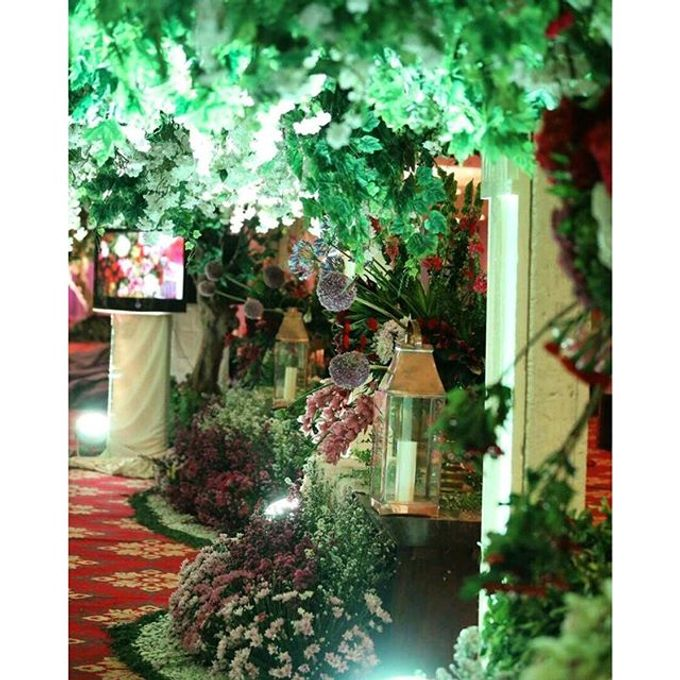 Modern Wedding of Indah and Hazieq by Watie Iskandar Wedding Decoration & Organizer - 012