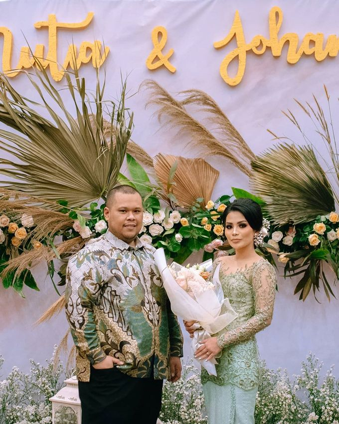 Mutia Johan Engagement by Buttercup Decoration - 005