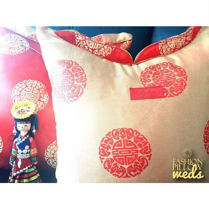 Cheongsam Wedding Pillow for Sangjit by Fashion Pillow Weds - 007