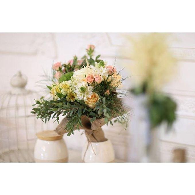 Pinterest inspired bridal bouquet by La Bloom Florist - 016