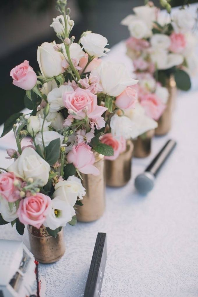 Bridal Hand Bouquets by Sing See Soon - 002