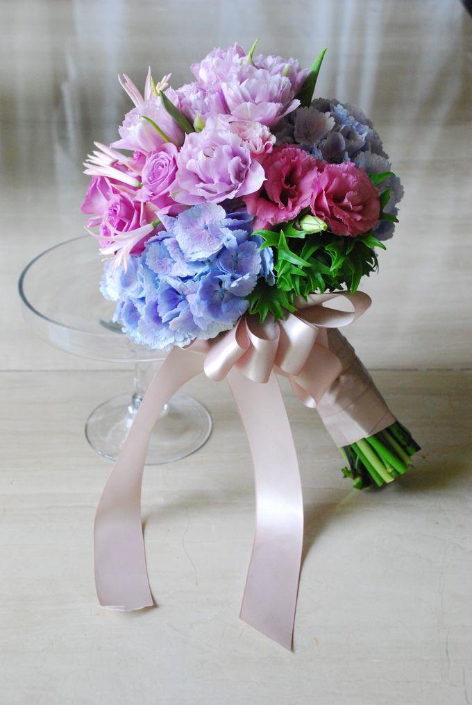 PURPLE BLUE theme wedding bouquet by Hana Flower Boutique by Hana Flower Boutique - 003