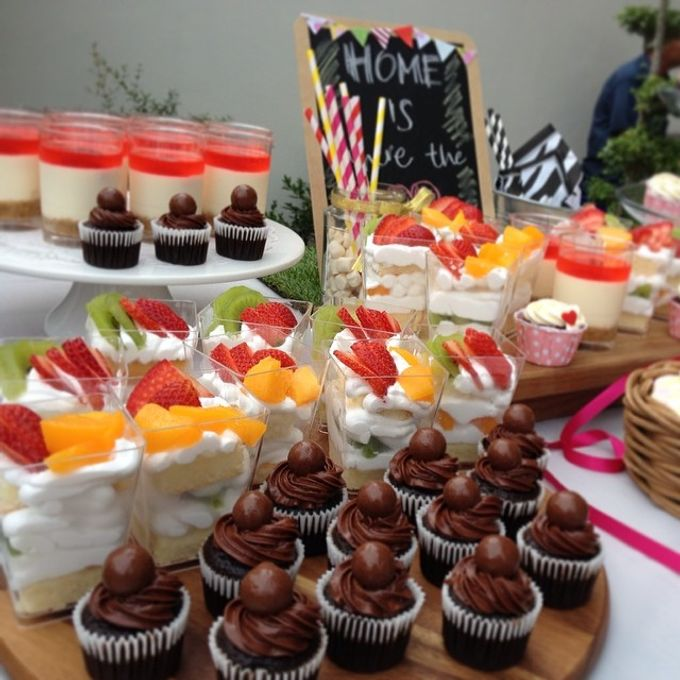 dessert table treats by The Rosette Co - 006