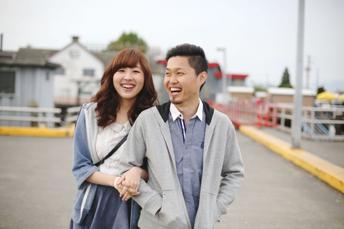 Engagement shoot at Steveston Richmond by Rebecca Ou Photography - 011