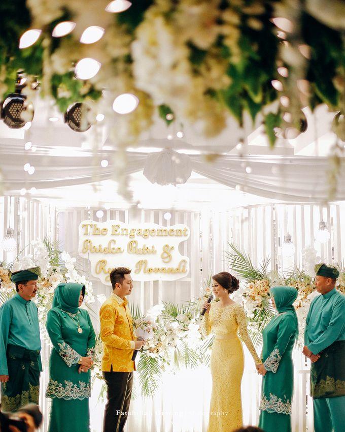 The Engagement of Ariska Putri Pertiwi & Tengku Ryan Novandi by Anaz Khairunnaz - 003