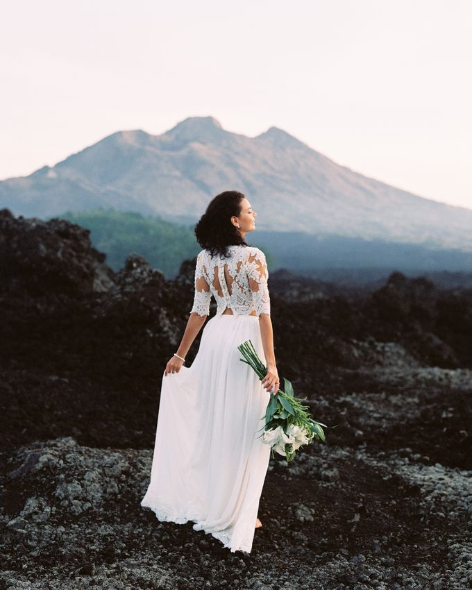 Bohemian Rustic Bride by Arta Photo - 004