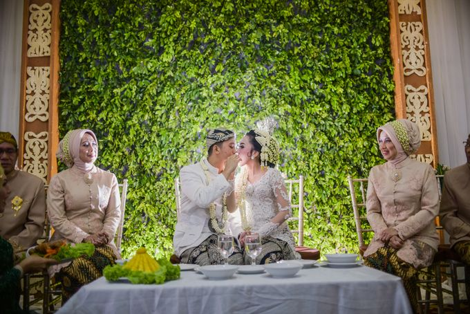 Adela & Dimas | Wedding by Kotak Imaji - 013