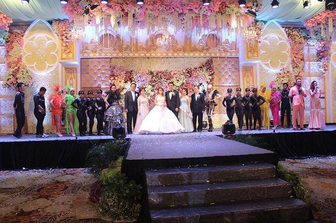 Wedding of alex desy by harris hotel convention center malang add to board wedding of alex desy by harris hotel convention center malang 006 junglespirit Gallery
