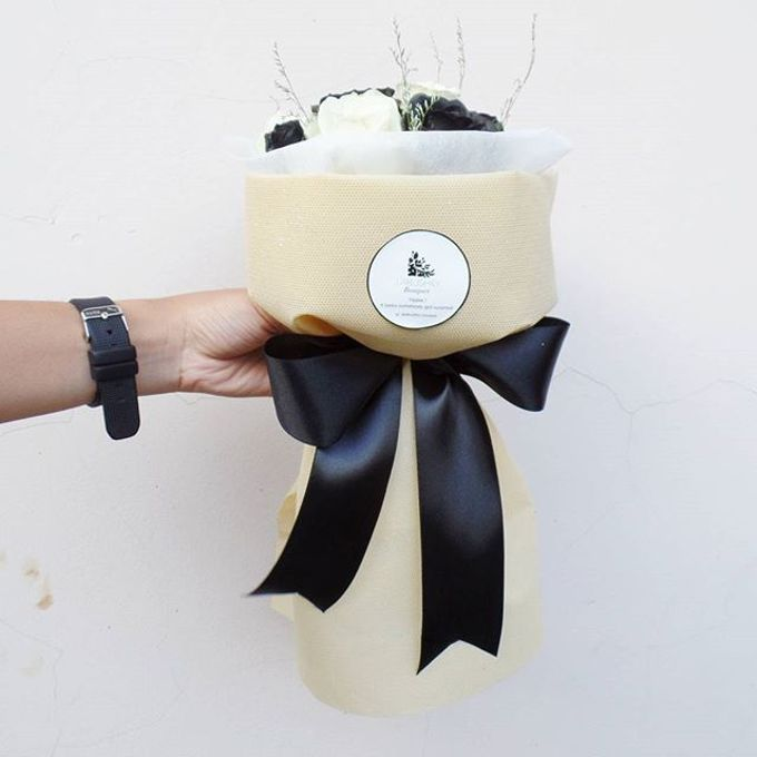 Hand Bouquet for Special Occasion by LABUSHKY Bouquet - 012