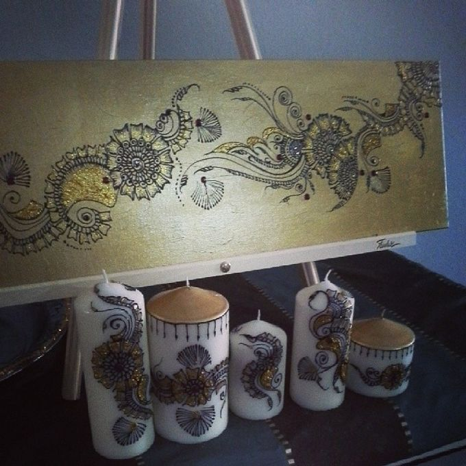 Decorative candles and canvas  by Nakreze Mehndi - 028