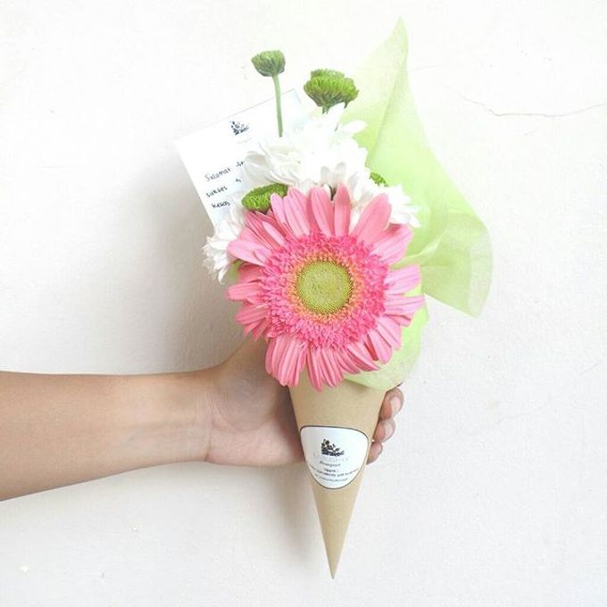 Flower Cone by LABUSHKY Bouquet - 005