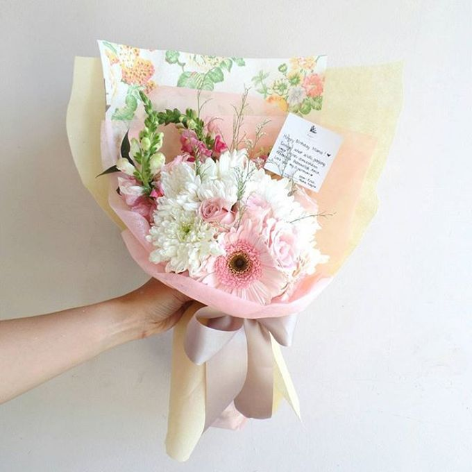 Hand Bouquet for Special Occasion by LABUSHKY Bouquet - 015