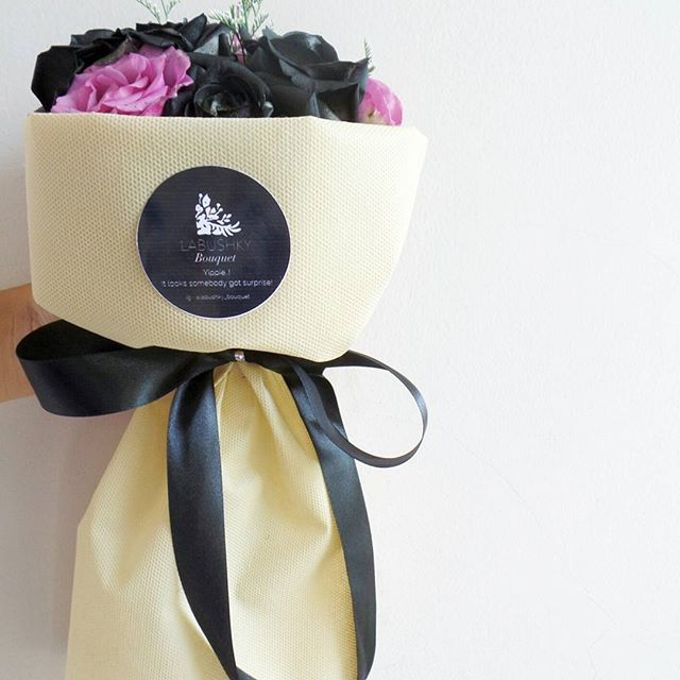 Hand Bouquet for Special Occasion by LABUSHKY Bouquet - 016