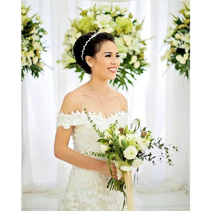 RUSTIC WHITE & GREEN WEDDING by La Bloom Florist - 001
