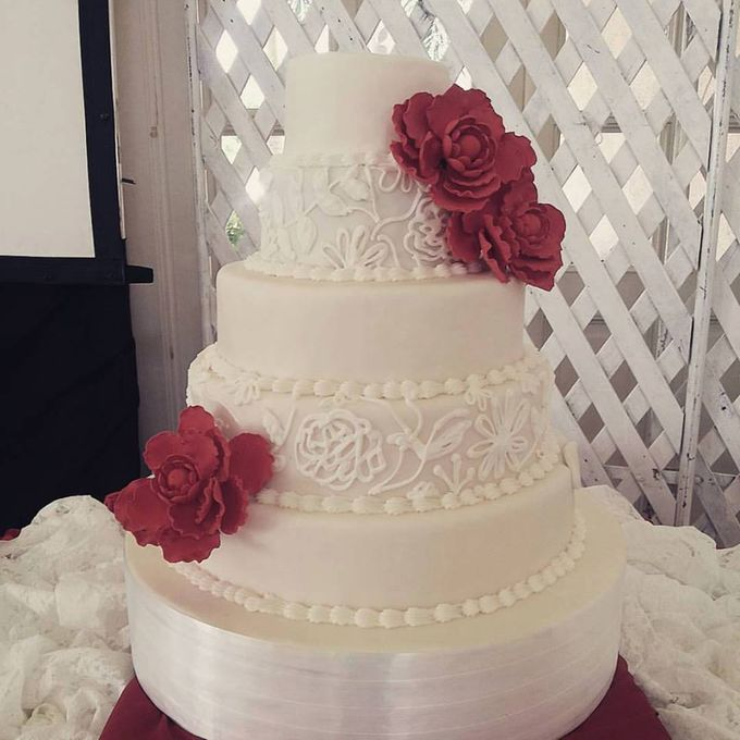 Wedding Cakes by The Cupcake Theory - 013