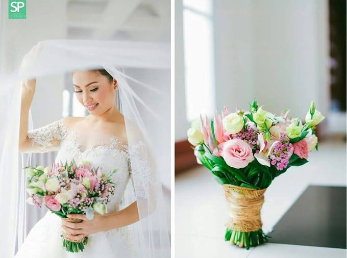 Bride and Bouquet by Flowers and Beyond by Aris Chua - 006