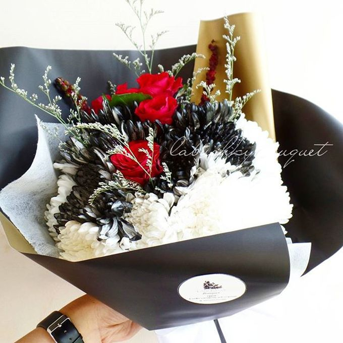 Hand Bouquet for Special Occasion by LABUSHKY Bouquet - 008