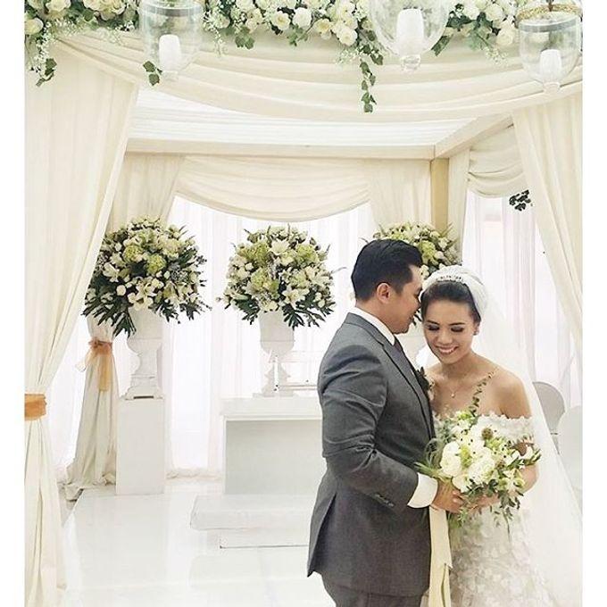 RUSTIC WHITE & GREEN WEDDING by La Bloom Florist - 002