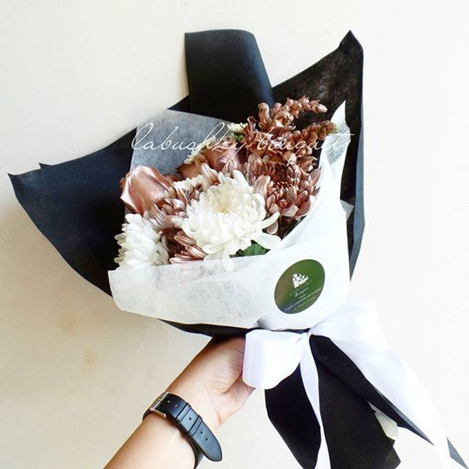 Hand Bouquet for Special Occasion by LABUSHKY Bouquet - 002