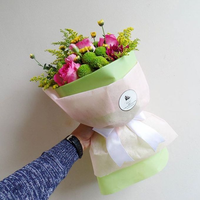 Hand Bouquet for Special Occasion by LABUSHKY Bouquet - 009