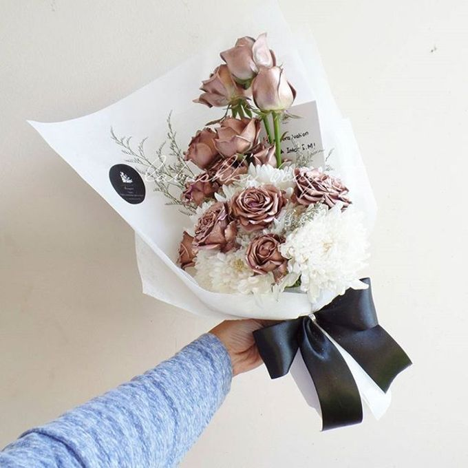 Hand Bouquet for Special Occasion by LABUSHKY Bouquet - 007