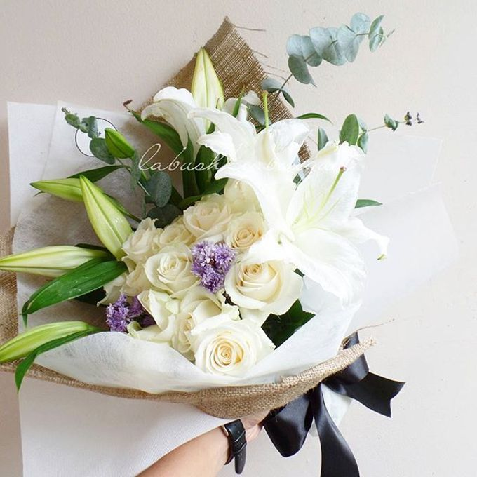Hand Bouquet for Special Occasion by LABUSHKY Bouquet - 003