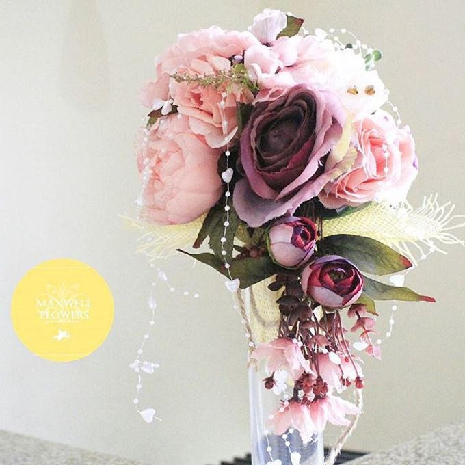 Hand Bouquet by Maxwell Flowers - 003
