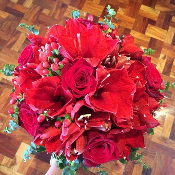Bouquets  by Weddings by TV - 017