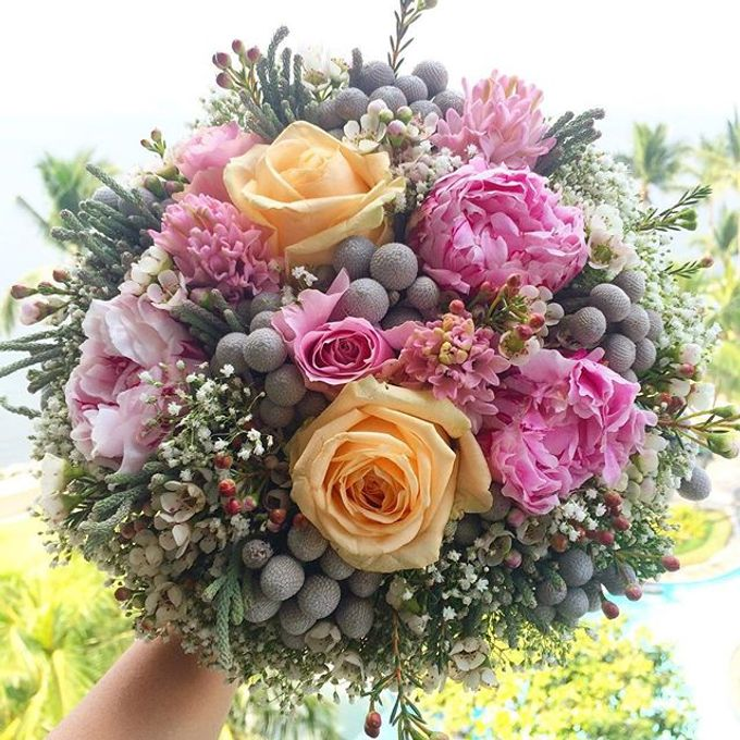 Bouquets  by Weddings by TV - 016