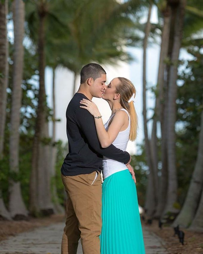 Engagement Photography in Florida by Couture Bridal Photography - 018