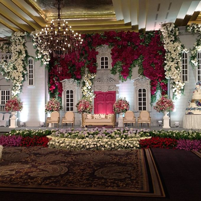 Flower wall by Suryanto Decoration - 001