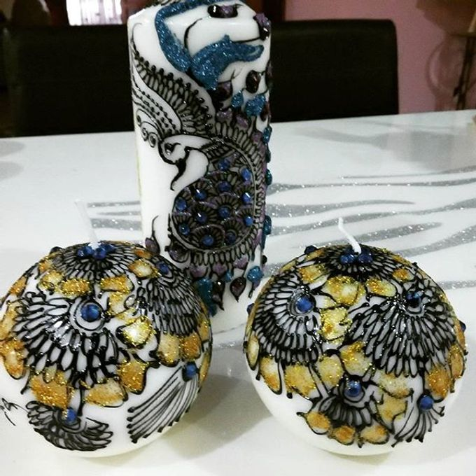 Decorative candles and canvas  by Nakreze Mehndi - 009