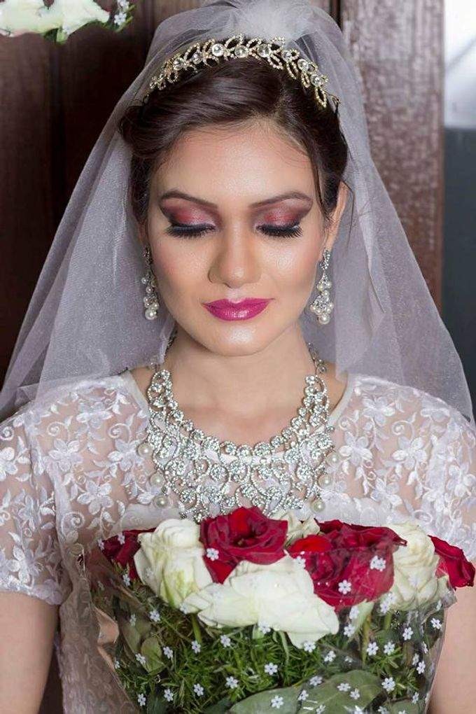 Bride by Parul Makeupartist - 001