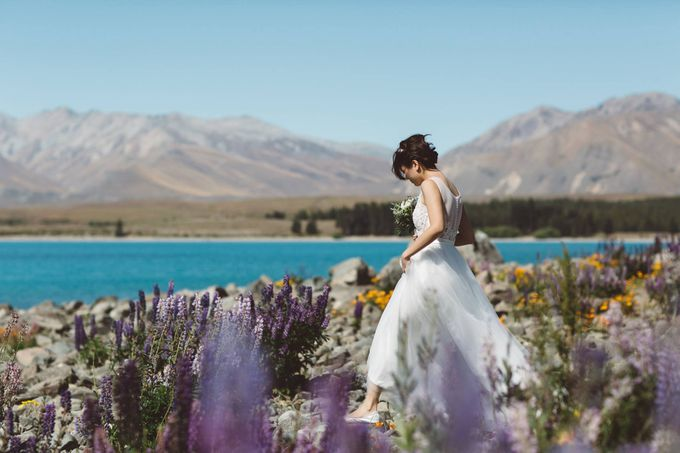 Intimate Wedding at Lake Tekapo by Light Up Weddings - 005