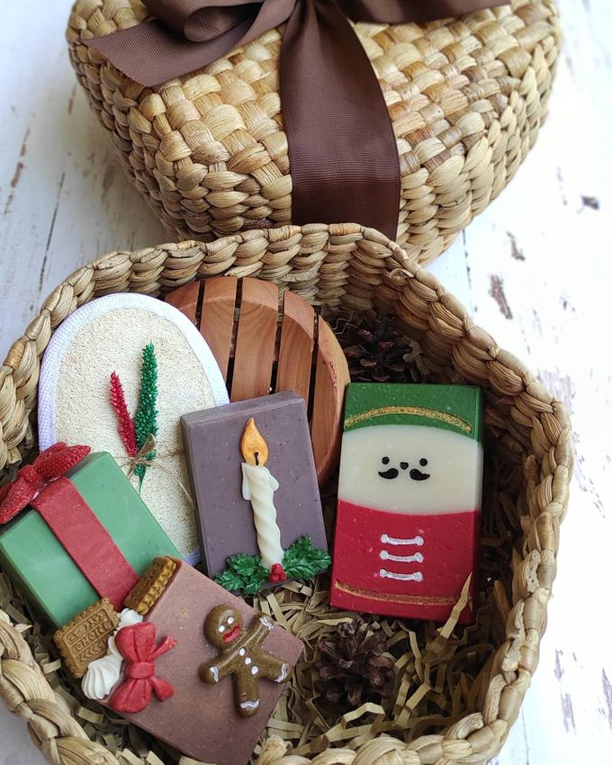 Rustic Bridesmaid Hampers by The Rustic Soap - 004