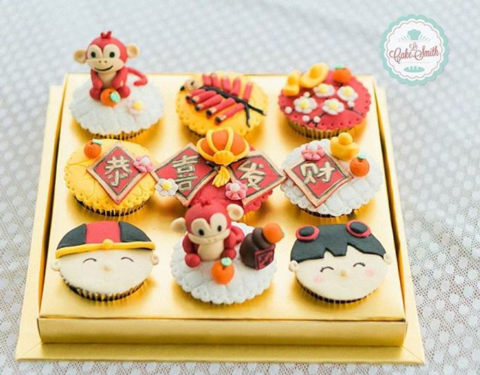 add to board chinese new year theme cupcake by lecakesmith 002