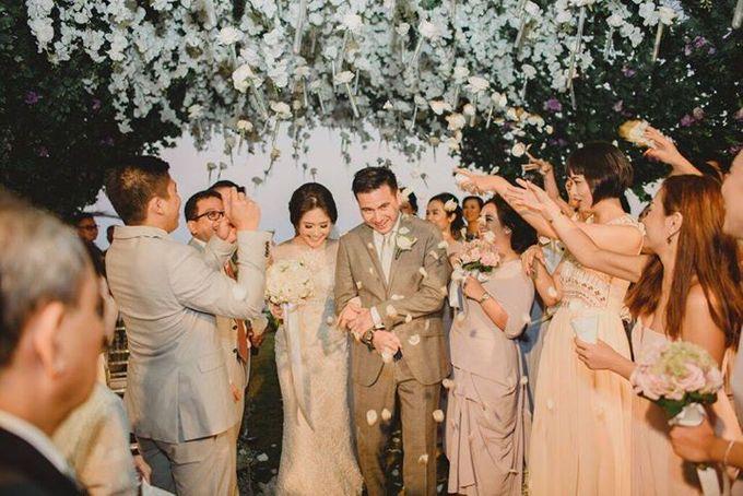 Steven & Aie Enchanted Garden Wedding by Flying Bride - 035