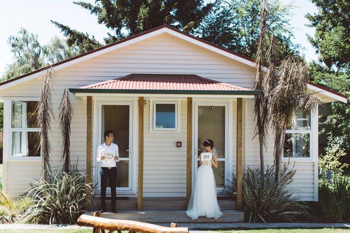 Intimate Wedding at Lake Tekapo by Light Up Weddings - 002