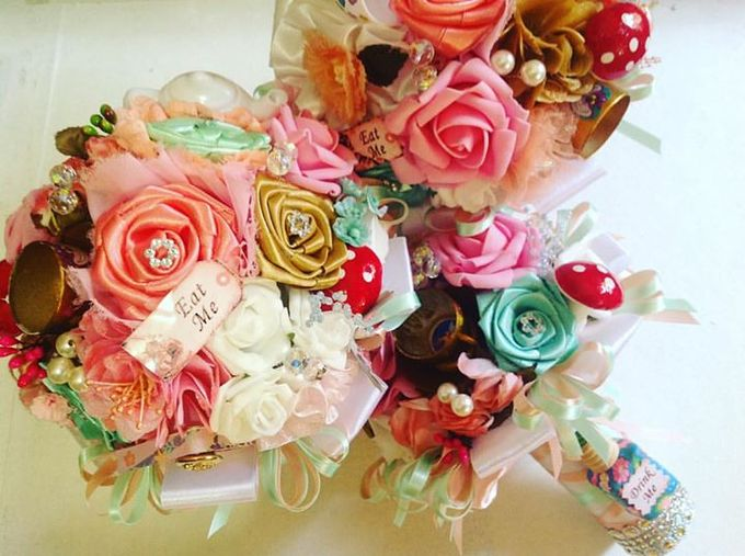 Handcrafted Bouquets and Wedding Accessories  by Duane's Fleur Creatif - 047