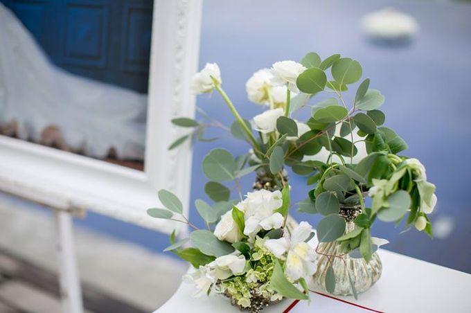 White Green and Gold Elegant Wedding at Latitude Villa by Flora Botanica Designs - 017