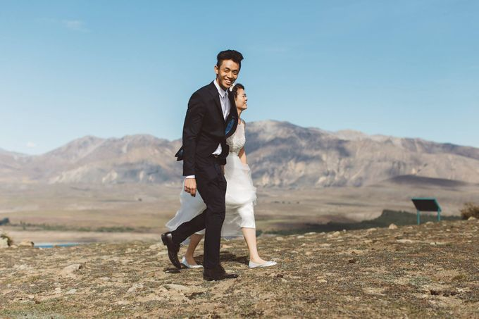 Intimate Wedding at Lake Tekapo by Light Up Weddings - 013