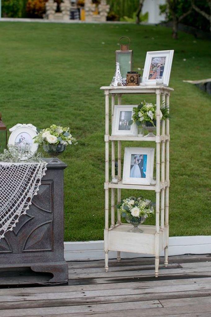 White Green and Gold Elegant Wedding at Latitude Villa by Flora Botanica Designs - 028