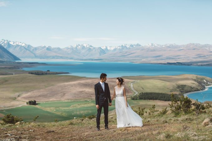 Intimate Wedding at Lake Tekapo by Light Up Weddings - 011