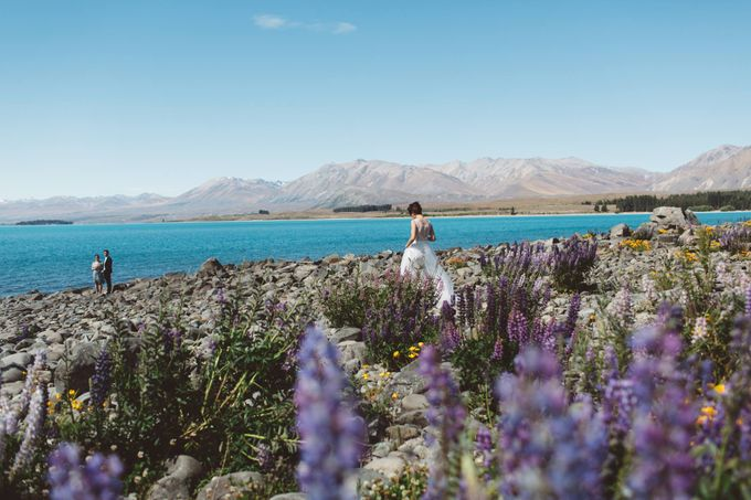 Intimate Wedding at Lake Tekapo by Light Up Weddings - 006
