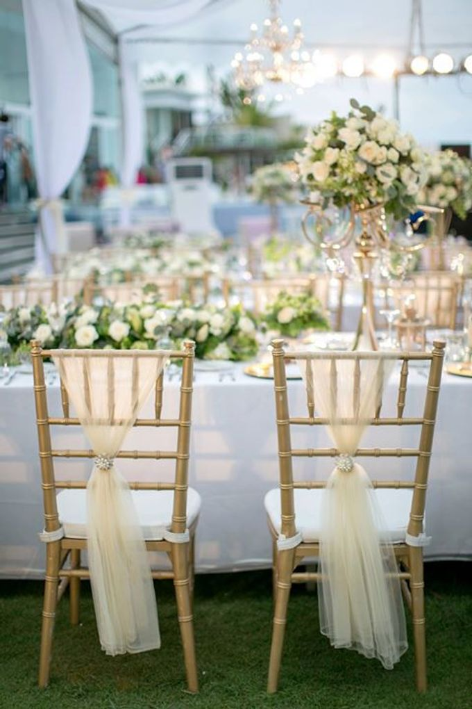 White Green and Gold Elegant Wedding at Latitude Villa by Flora Botanica Designs - 030